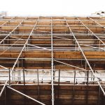 Safely erecting and dismantling scaffolding